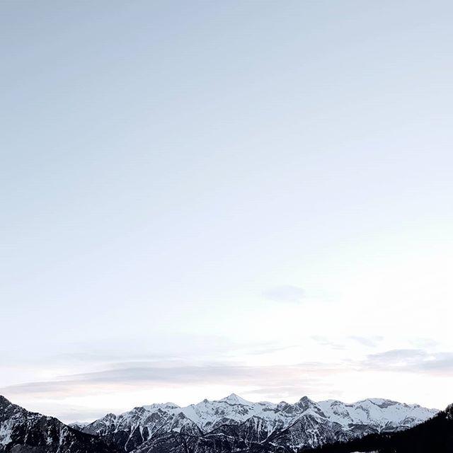 Hello Mountains 😃😍🏔❄ . . .  #landscape_captures #mountainsview #naturelover_gr #mountainstories #mountainslovers #landscapeporn #nature_perfection #mountainscape #landscape_capture #landscape_lovers #mountains #mountainsnow #landscapephotography #naturephotography #mountainsummit
