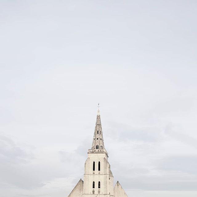 #lookingup_minimal #church #minimalismo #minimalism_world #simplicityisbeauty  #minimalismus #lookingup