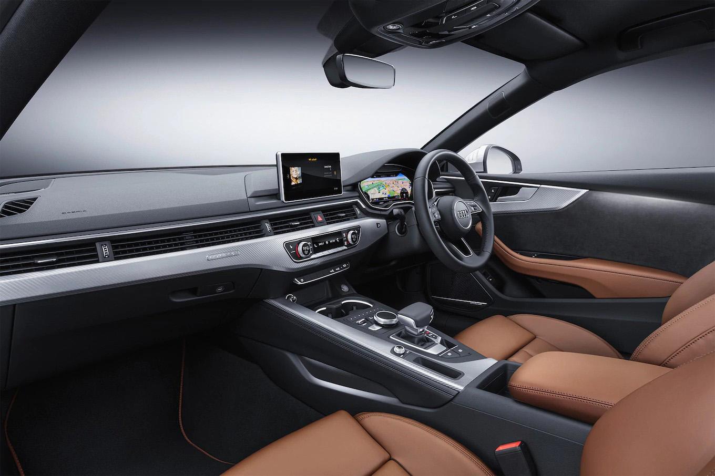 2018-Audi-A5-European-Spec-cabin.jpg