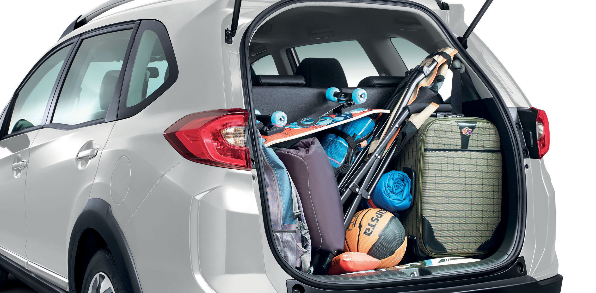 Biggest trunk space - 223 litres with all seats up, 539 litres when 3rd row seats are folded.jpg