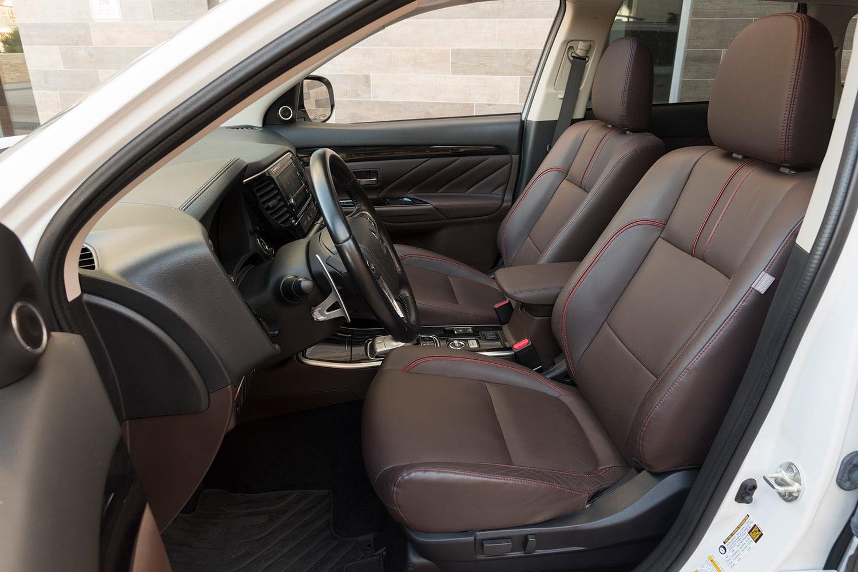 2018-mitsubishi-outlander-phev-interior-1500x1000.jpg