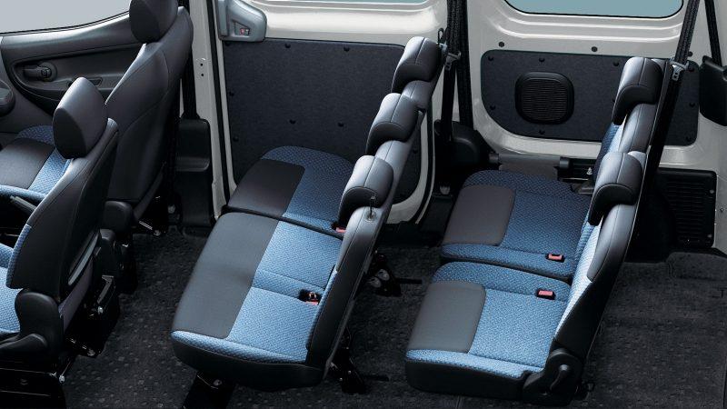 nv200-van-design-load-of-passengers.jpg.ximg.l_8_m.smart.jpg