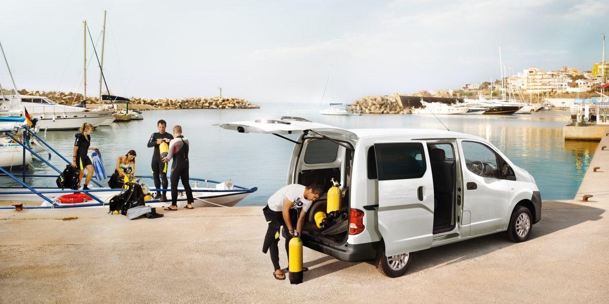nv200-van-design-versatility-for-work-and-play-RHD.jpg.ximg.l_12_m.smart.jpg