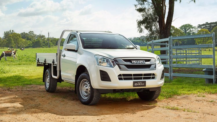 18MY-D-MAX-Farmer-Wants-a-D-MAX-D-MAX-4x4-SX-Singe-CC-Splash-White.jpg