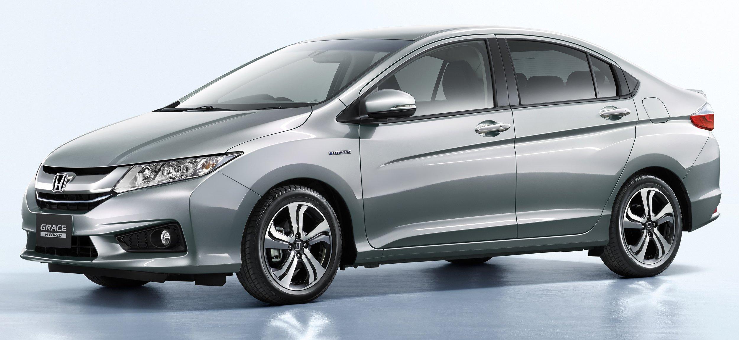 Honda_Grace_Honda_City_Hybrid_02-e1445584450720.jpg