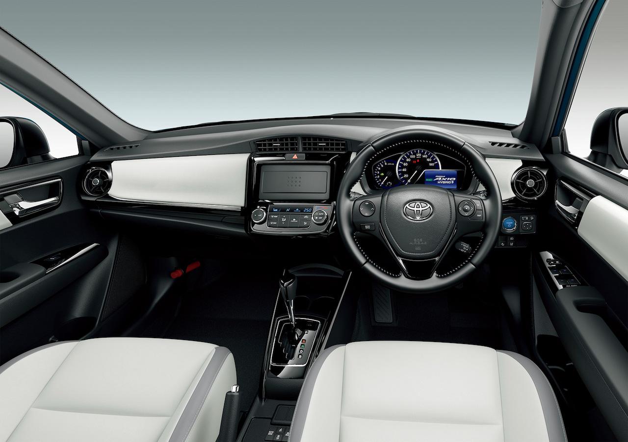 2018-Toyota-Corolla-Axio-WxB-interior.jpg