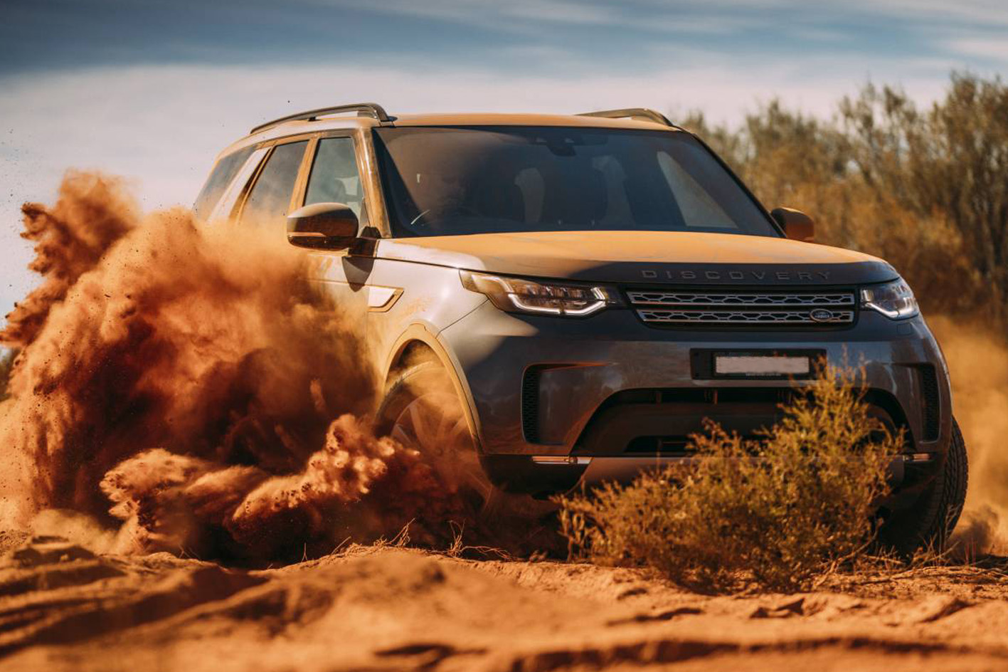 Land-Rover-Discovery-dust.jpg