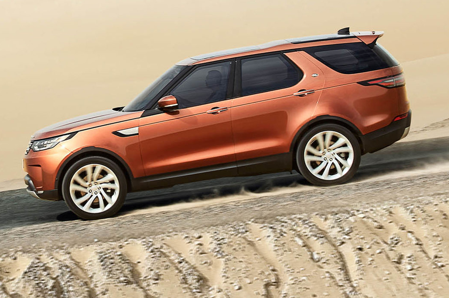 2018-Land-Rover-Discovery-UK-Photos.jpg