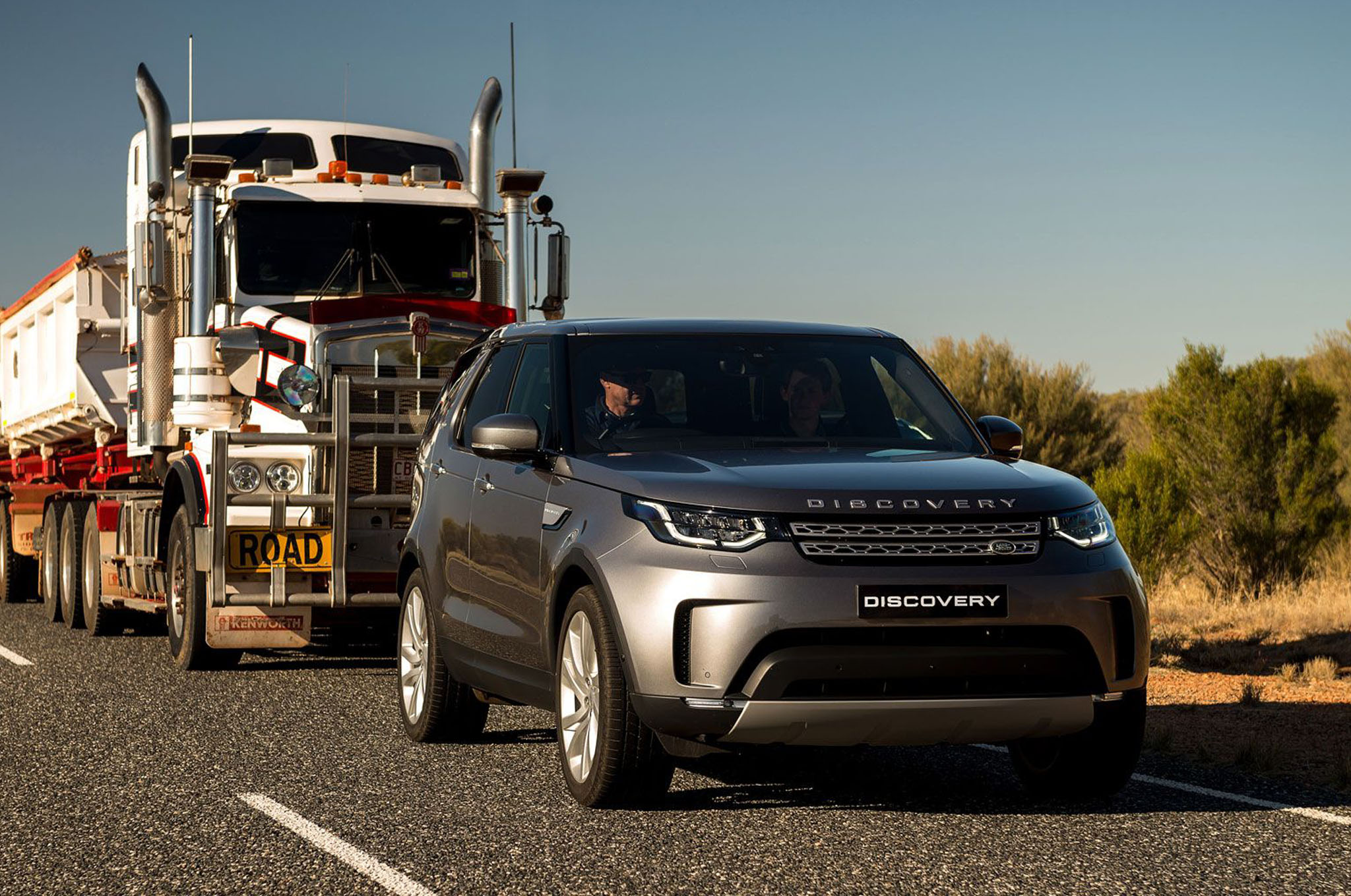 2018-land-rover-discovery-td6-road-train-front-view-in-motion.jpg