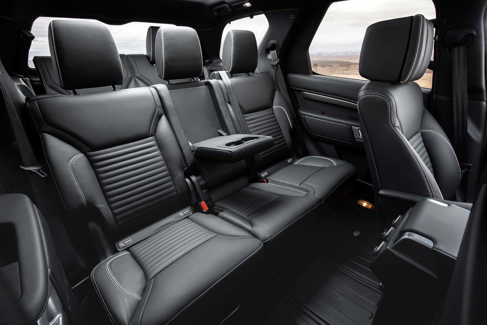 2018-Land-Rover-Discovery-Rear-Seat-Photos.jpg