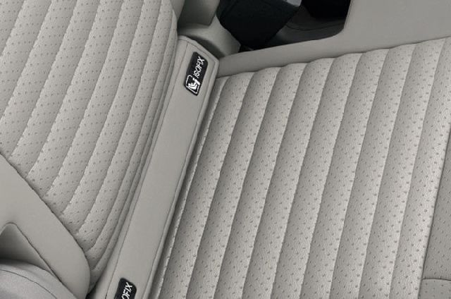 5 ISOFIX points makes it easy to install child seats