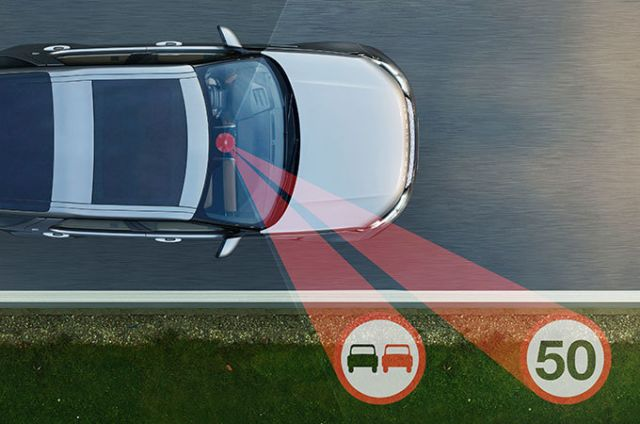 Discovery has a wealth of optional driving aids on hand to improve safety for you and your passengers