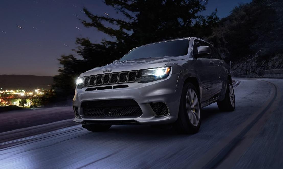 2018 Jeep Grand Cherokee Front Gray Exterior.jpg