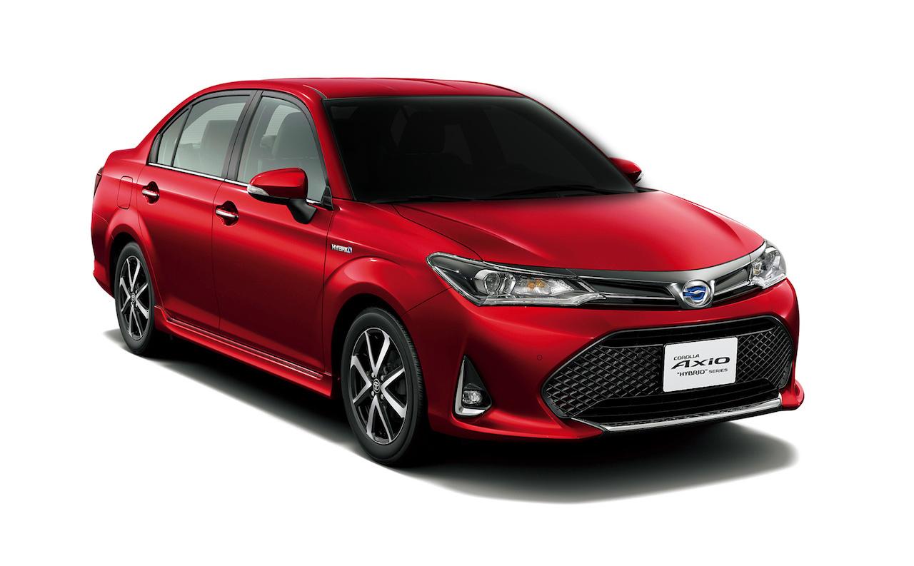 2018-Toyota-Corolla-Axio-WxB-front-three-quarters.jpg