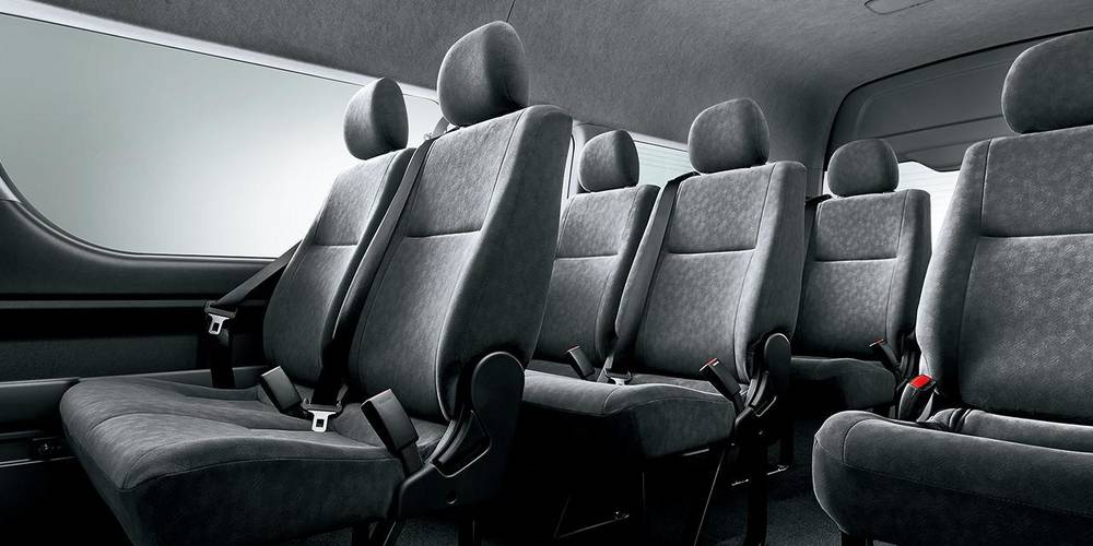 hiace-wagon-interior.jpg