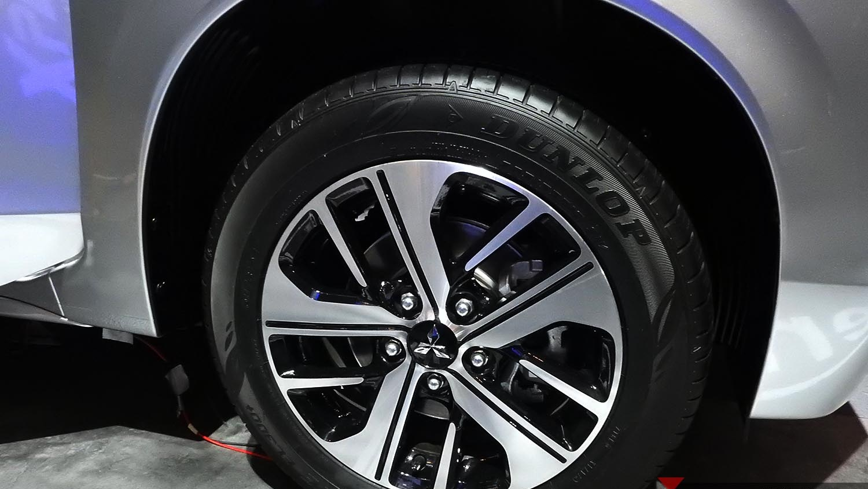 16 inch 2-tone alloy wheels