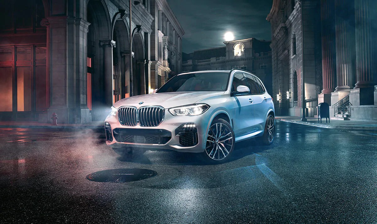 The visual enhancements of the optional M Sport Package, including the Aerodynamic Kit, make the All-New BMW X5 look as sporty as it feels.