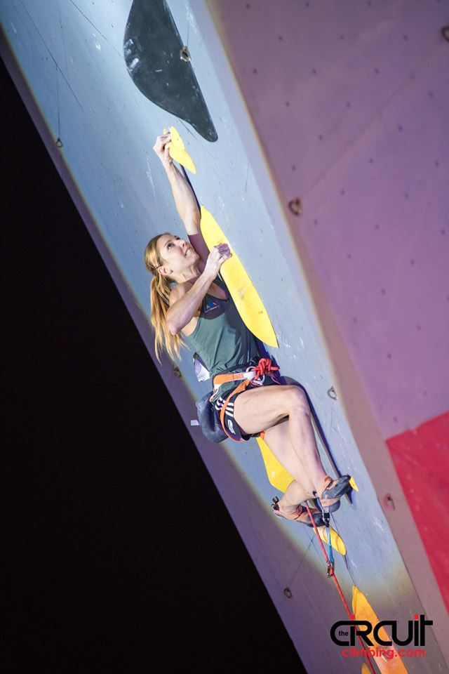 climbing-photo