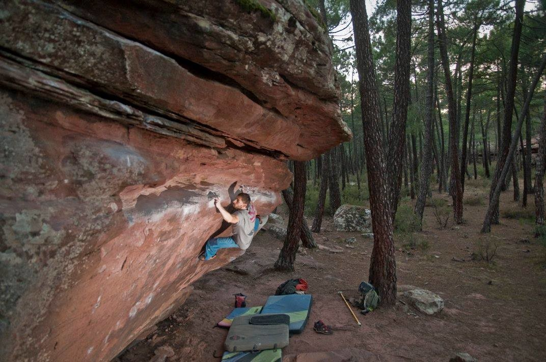 Andreas Gasic on Trave de techos 7B. Photo by Anssi Laatikainen.