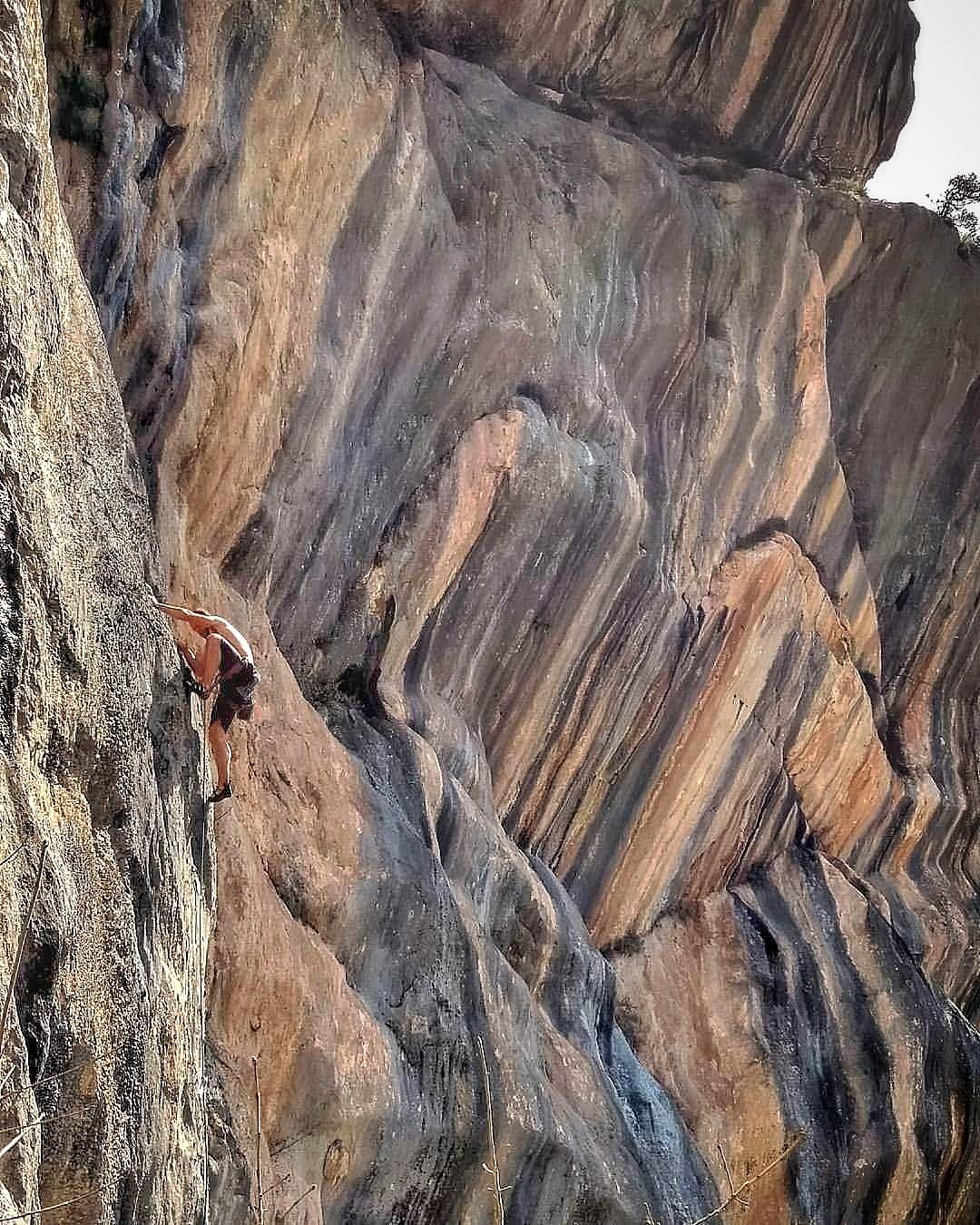 """Climber in """"Niente Sole"""" in Brar. Photographer: Elion Çikopano"""