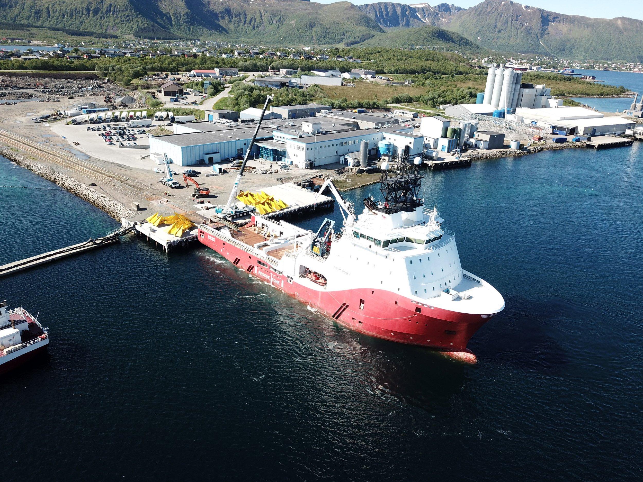 Mobilisering av fortøyninger på industriområdet på Børøya