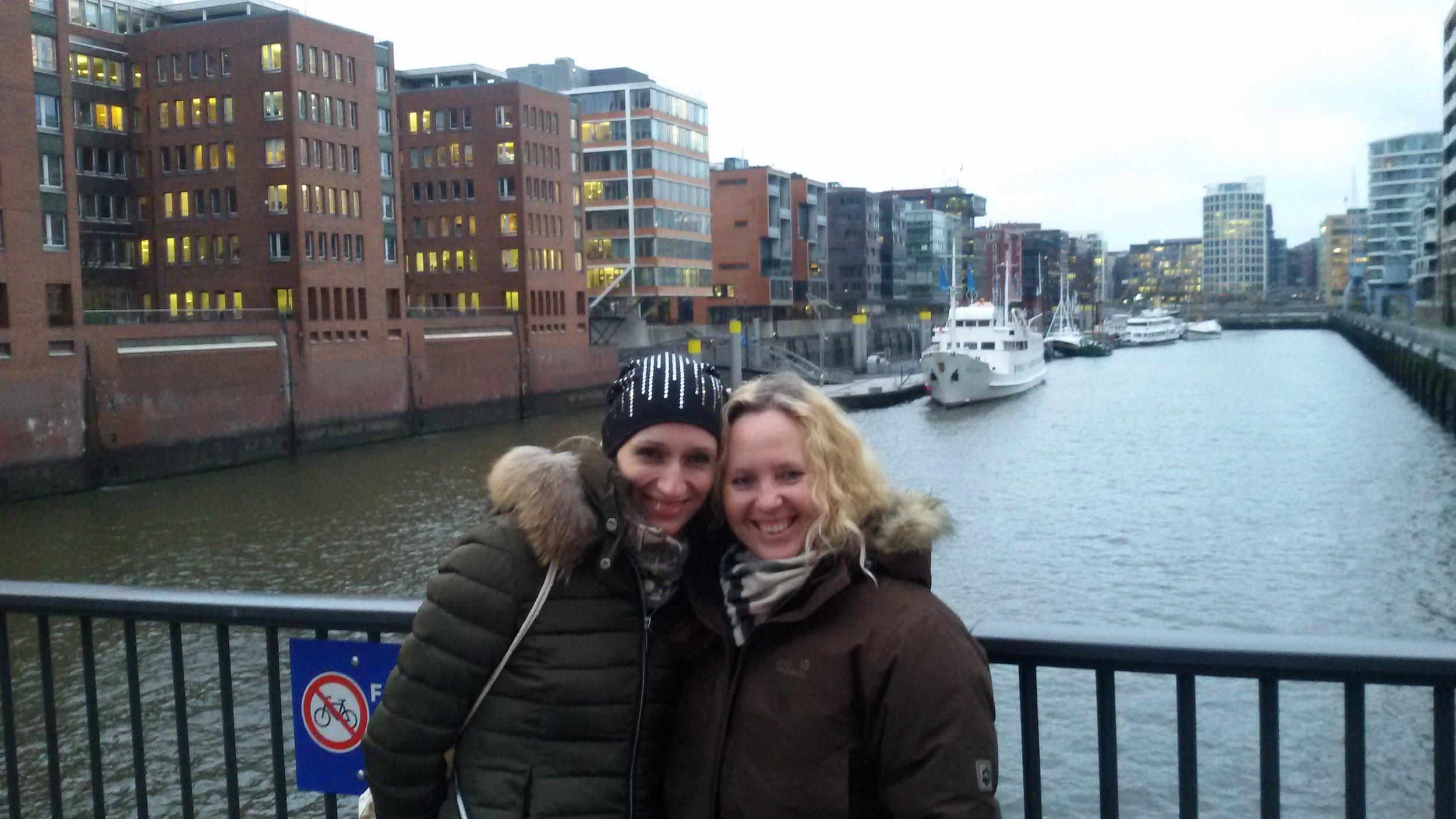 2Ladies_Hamburg_Speicherstadt_Winter.jpg