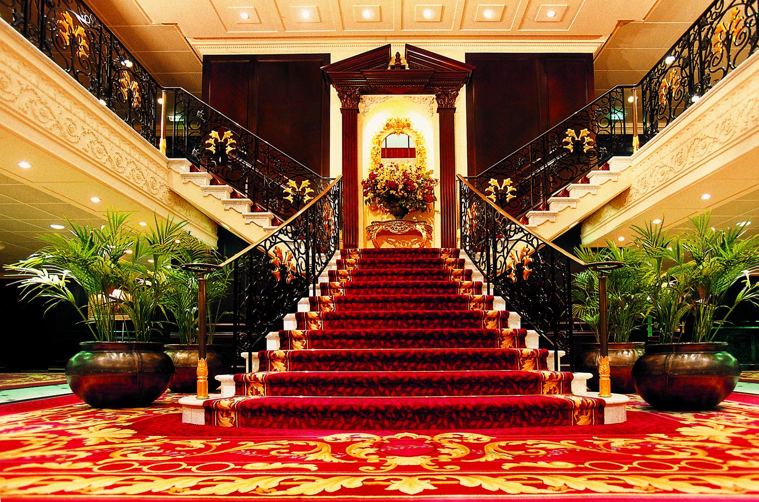 rClass-Graind-Staircase.jpg
