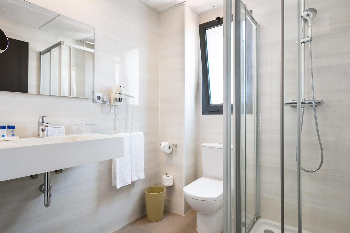 Hotel Autohogar Badezimmer.jpg