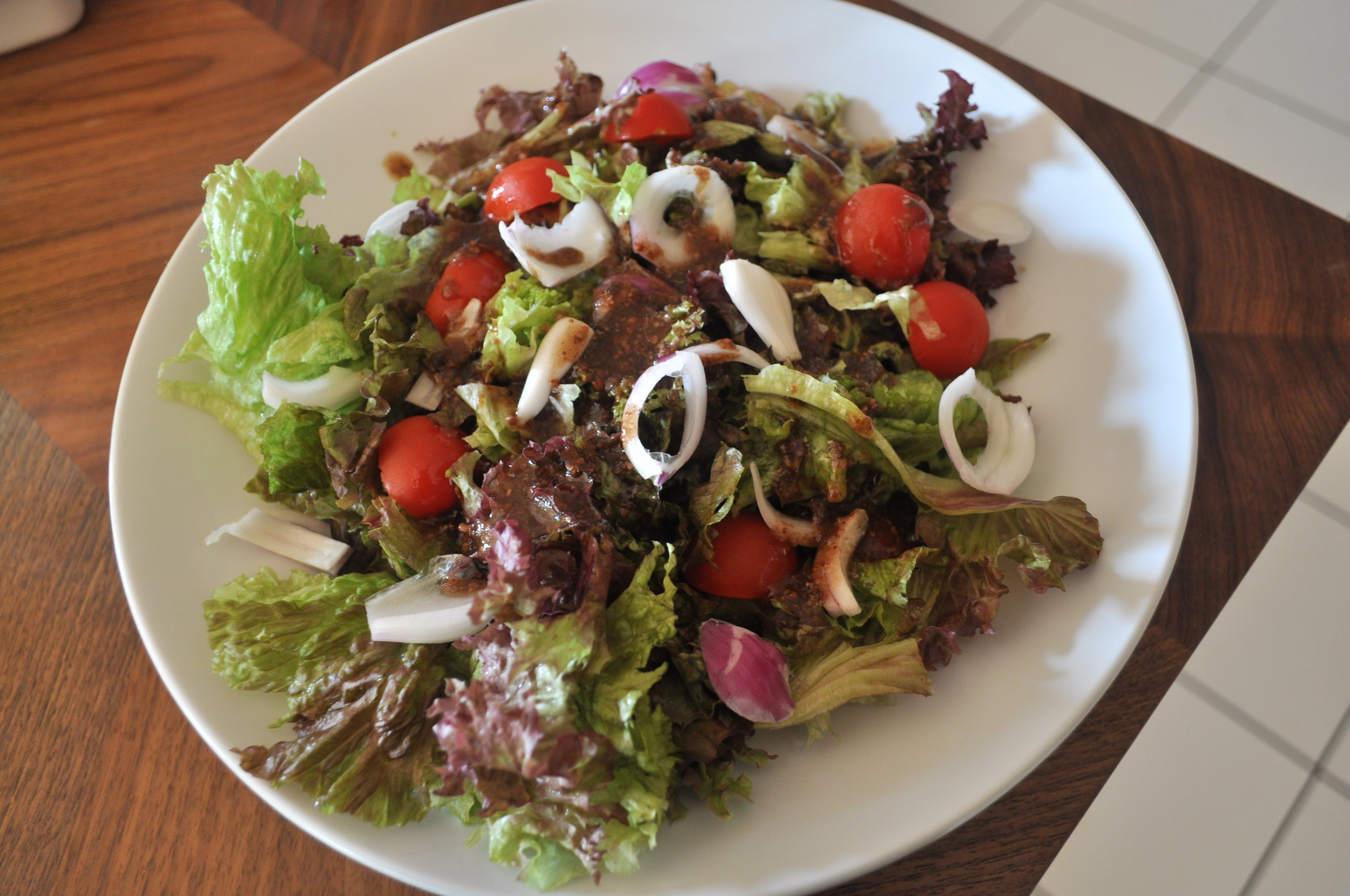 Salat mit Himbeersenf