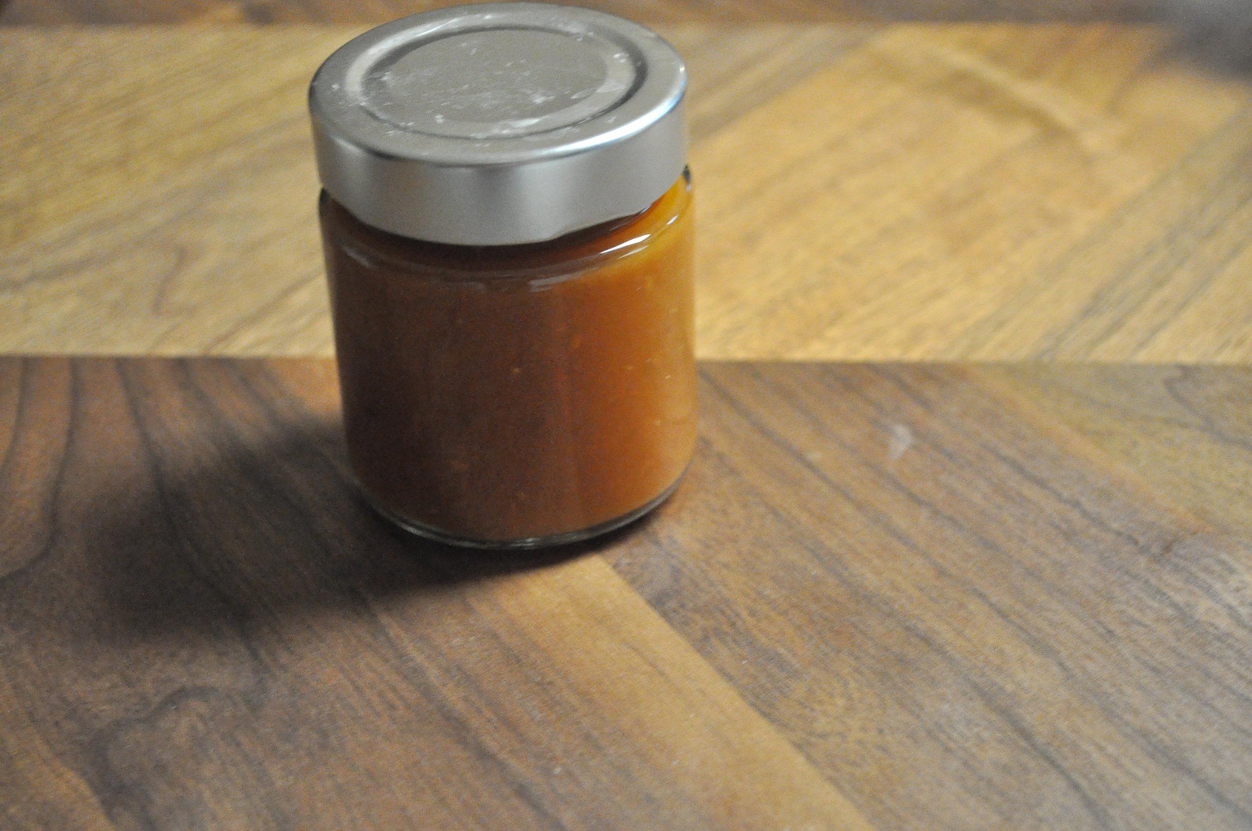 8 Gläser Ketchup produziert leider noch nicht beschriftet…Beschriftungsmaschine streikt:(