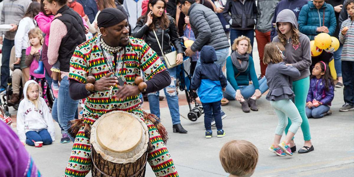 The Sound of Drums - Traditional Congolese drum music accompanied by balafon and kora.