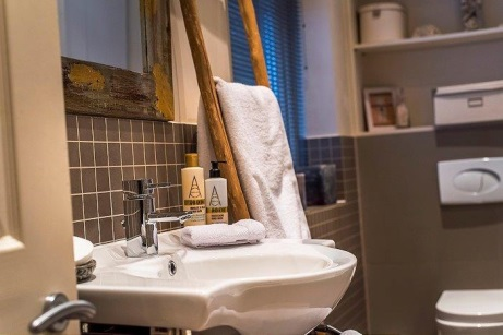 Airbnb-Tristram-Design-bathroo_461.jpg