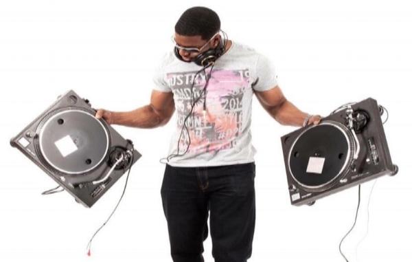CLICK HERE - EVENING DJ'S