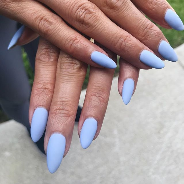 Matted light blue for this spring! Love love love pastel shades with matted top coat. And yes! You can turn any color into matte by using matted top coats! Yayyy.