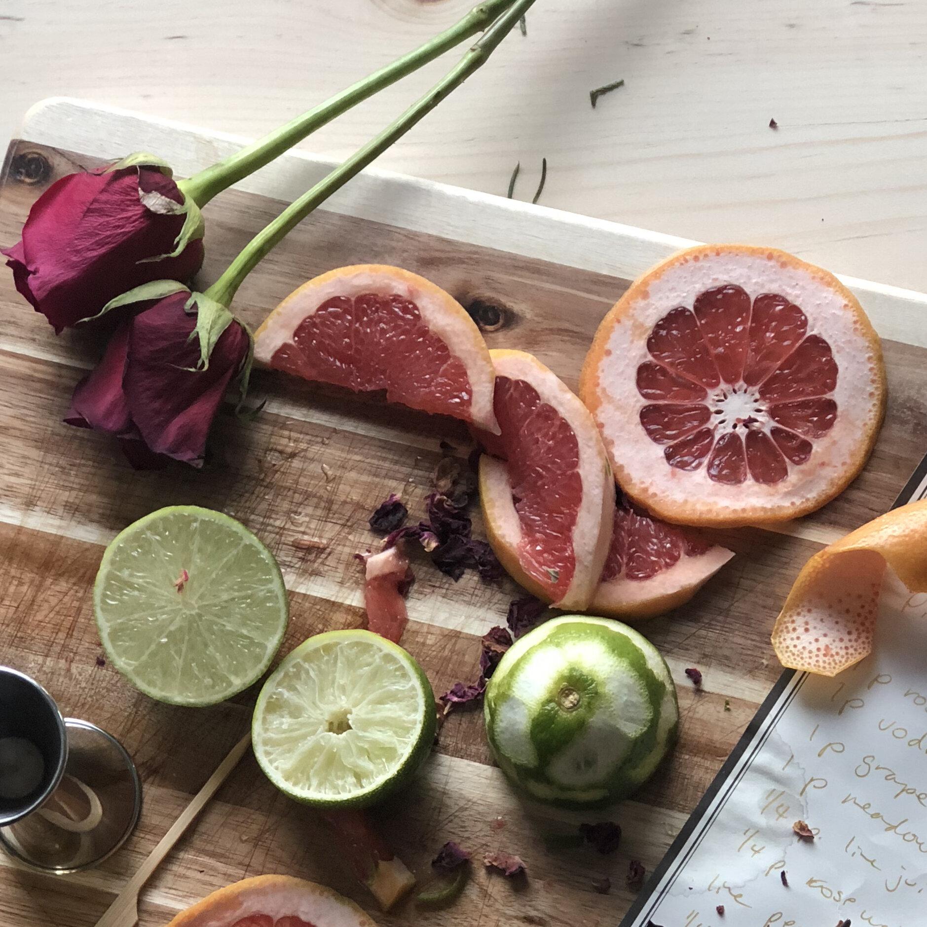 Recommended Pairings - Fruit, yoghurt, Earl Grey tea, pork, sweet herbs, citrus, and gin.