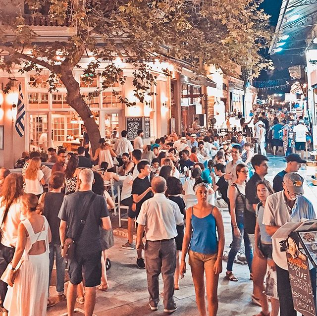 The Acropolis area: Busy every night! Plaka, Anafiotika, Monastiraki, Psiri.  The weather in Athens is so nice ☺  Join us 🏛🌞 . . . . . . #tour #walkingtour #travel #travel_greece #instatravel #picoftheday #traveller #athens #night #athensnightowls #citylife #bestoftheday #travelinspiration #photooftheday #trip #people #inspiration #greece