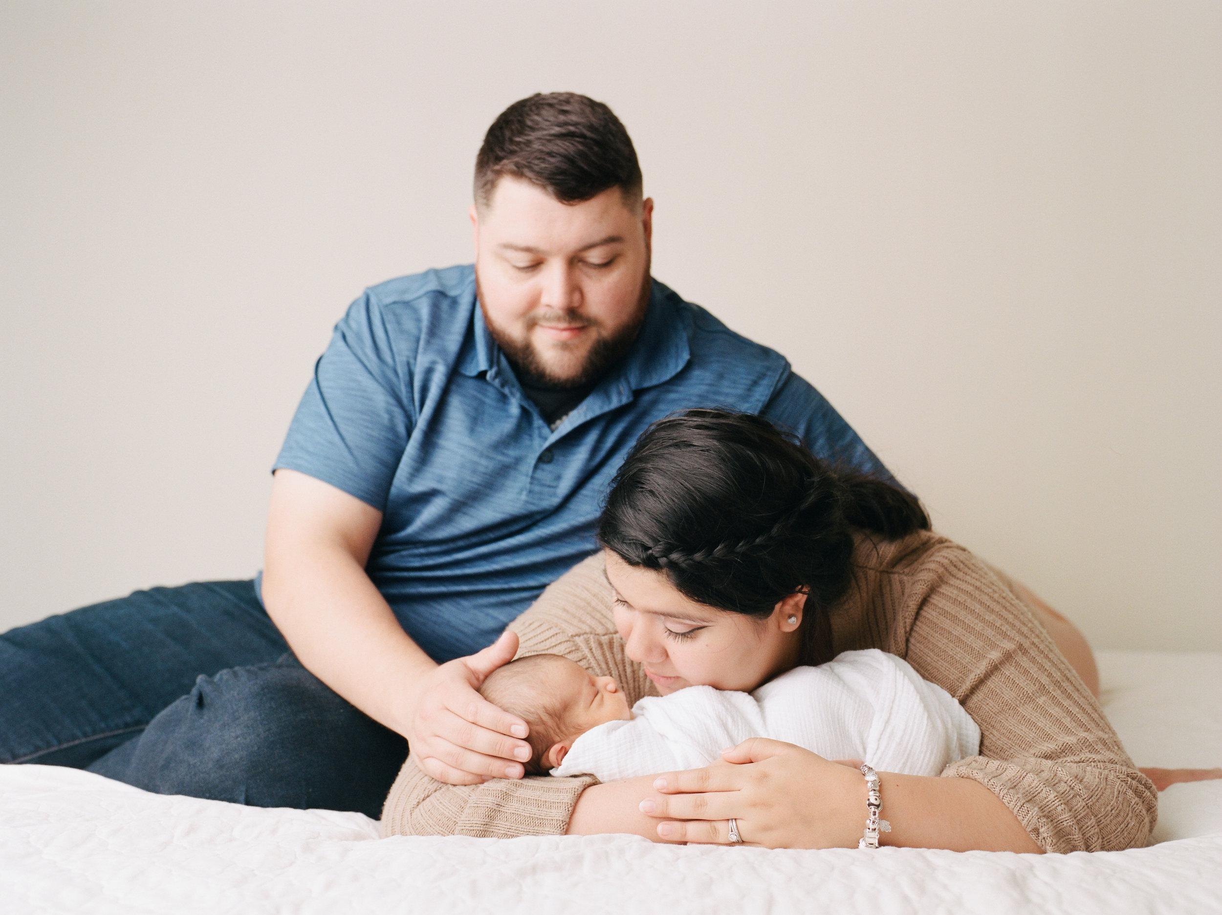 Armato Photography-Family-portrait-newborn
