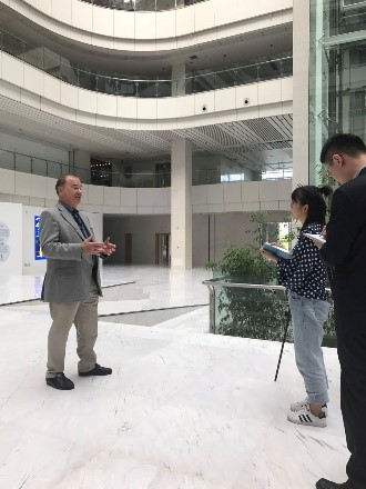 David is interviewed by the Haier TV station