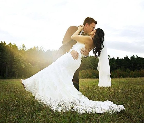 You will forever be my always ♡ . Happy Valentine's Day! . . . . .  #boglefarms #boglefarmsweddings #thatsdarling  #engaged #loveauthentic #chasinglight  #weddingseason #elopement  #theknot #realweddings #brideandgroom #weddingchicks #shesaidyes #loveintentionally #weddingdetails  #featuremeoncewed #destinationwedding  #discoveratl #atlantacollective #weddingvenue #georgiaweddingvenues #georgiaweddings #southernweddings #valentinesday #love #kiss #outdoorweddings