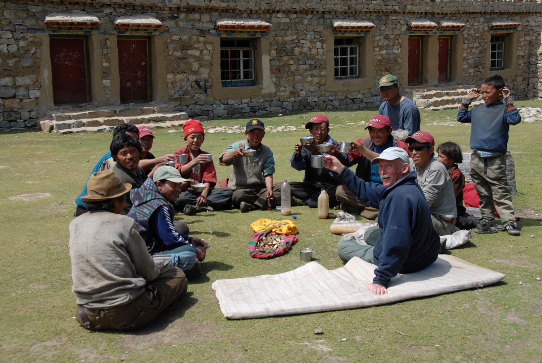 Tony Foster shares tea, Tibet, 2007. Photo by Kurt Ohms