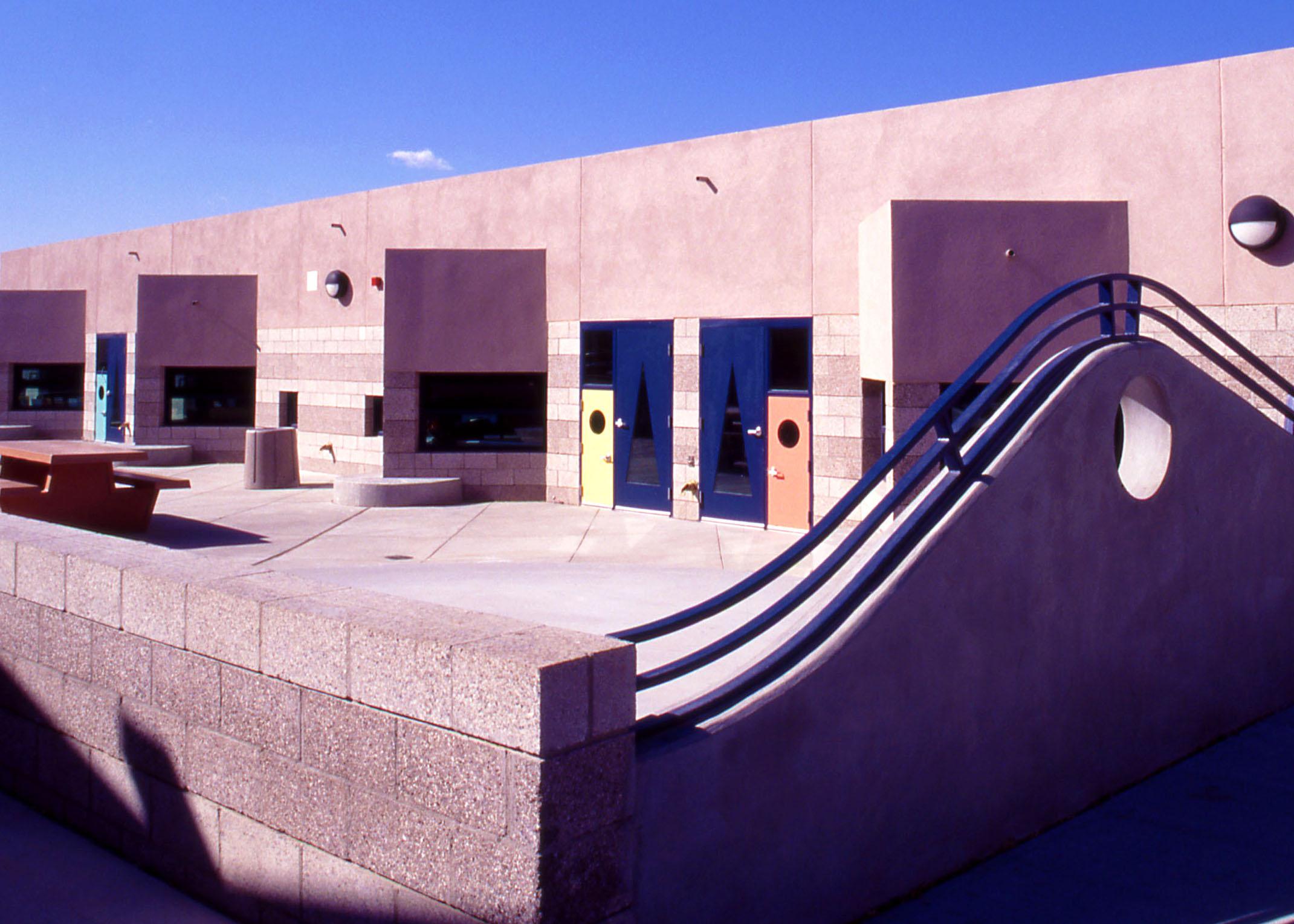East_San_Jose_Elementary_School_02.jpg