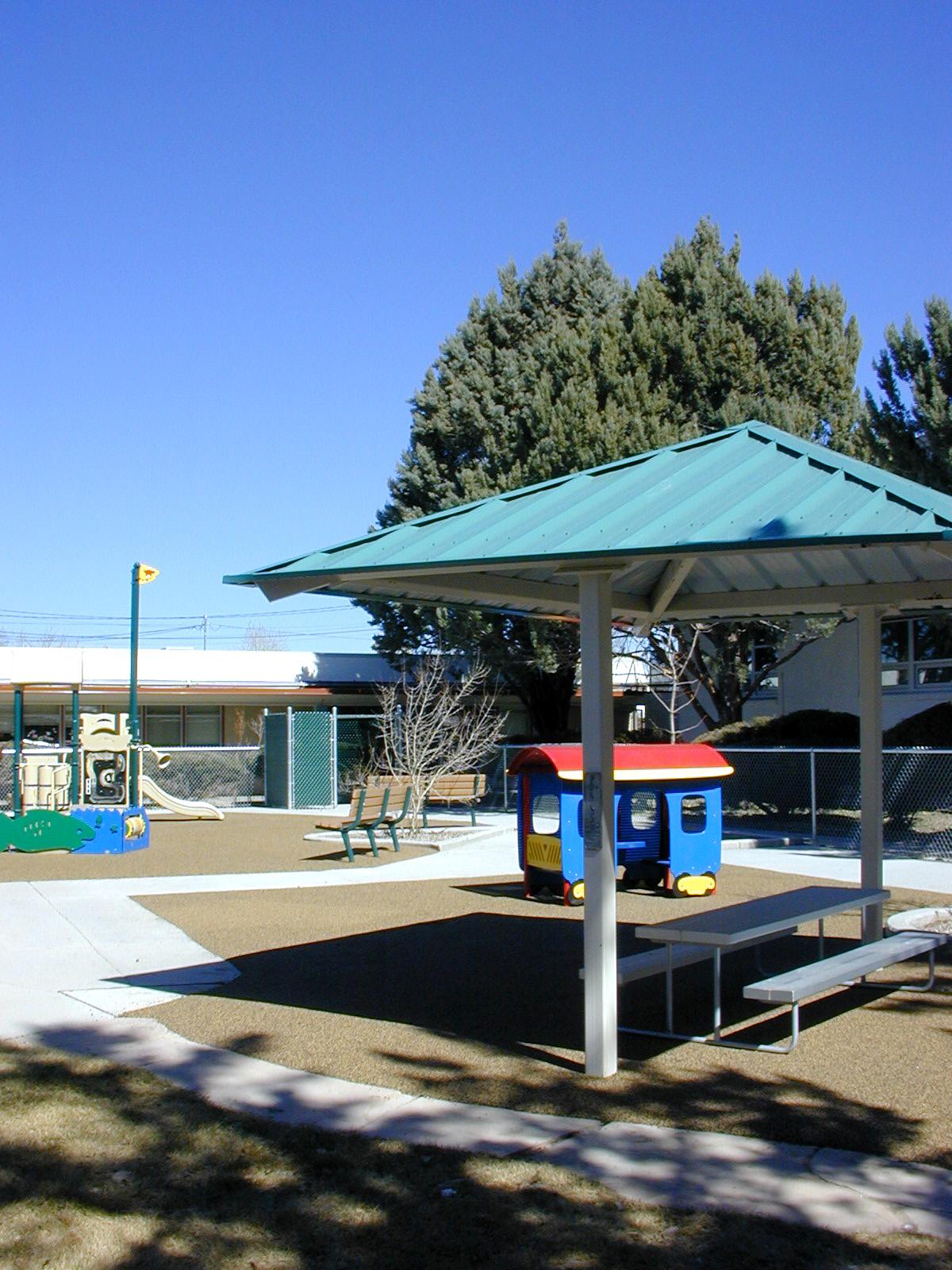 MacArthur_Elementary_School_02.jpg