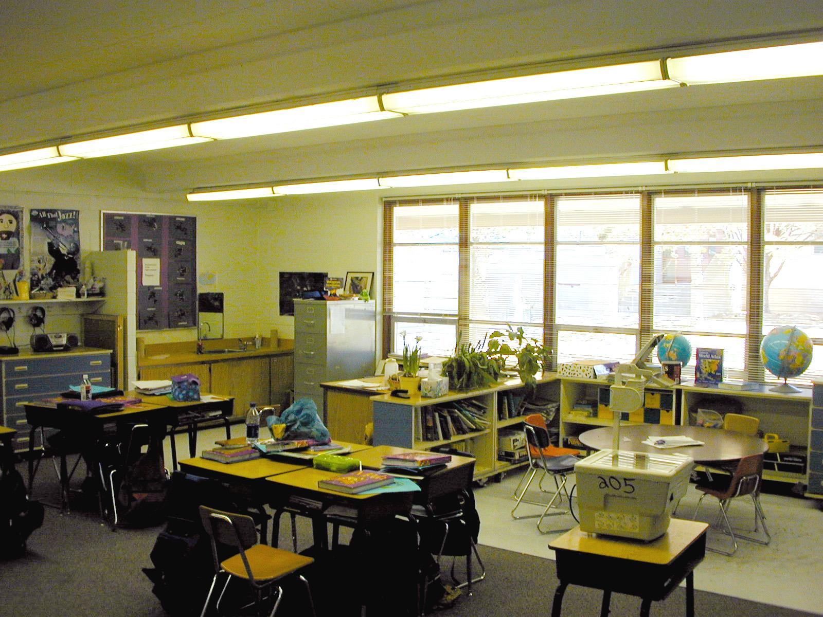 MacArthur_Elementary_School_03.jpg