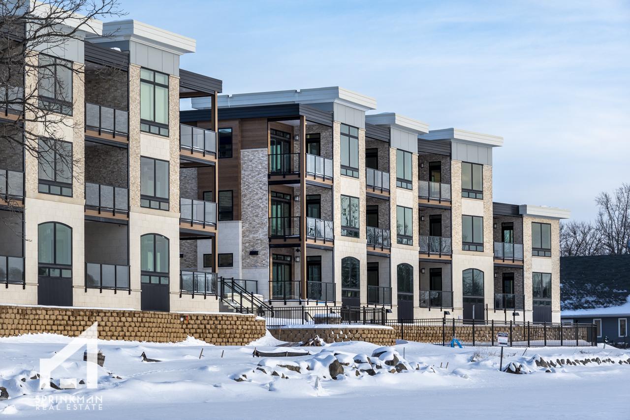 2019_Waubesa_exteriors_snow_mls-9.jpg