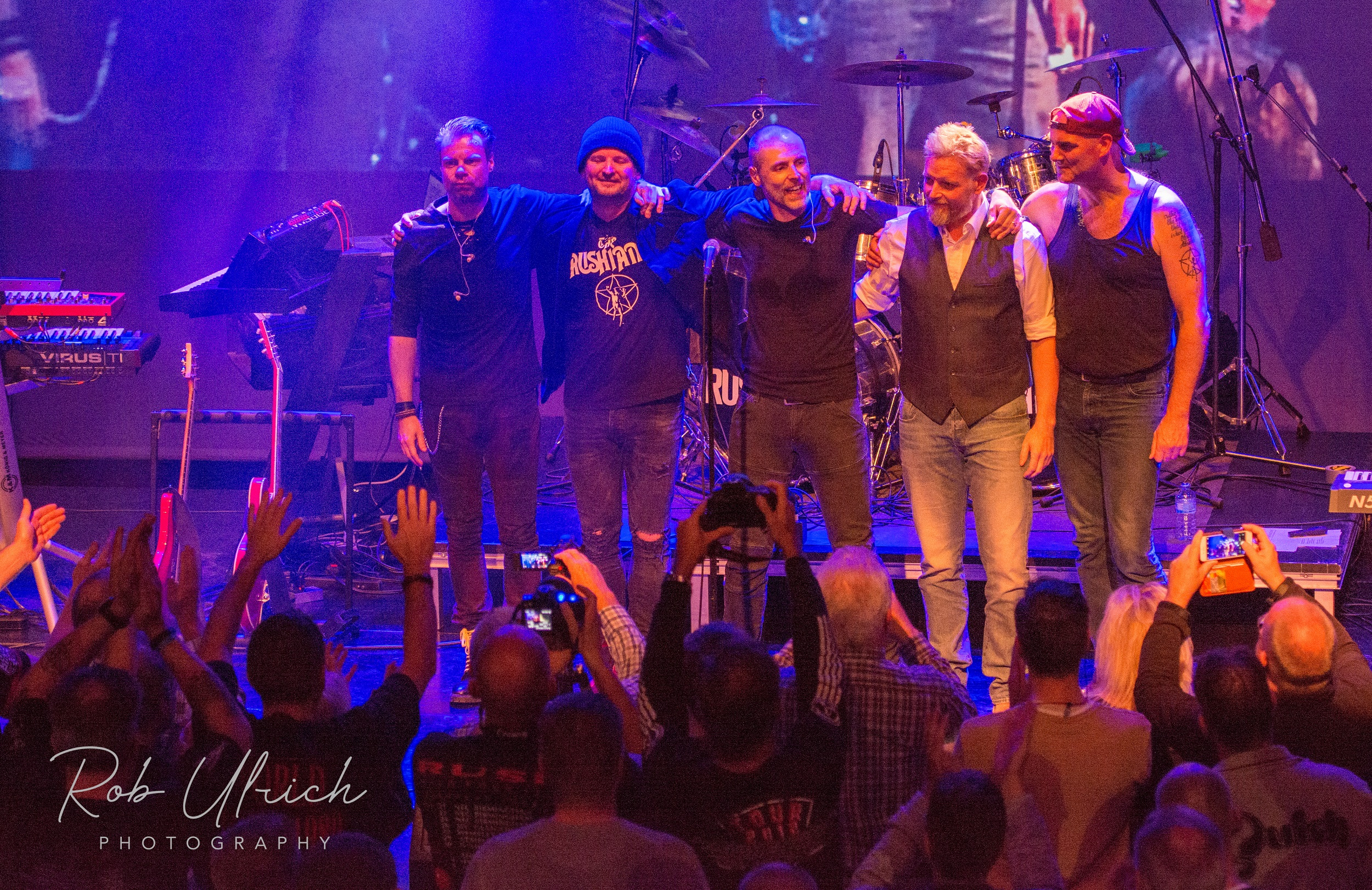 Rush Fan Event 2018 - This year's rush fan event was held in the Kulturhus in Borne. A magnificent day organized and visited by a large number of dedicated rush fans. The day started with a knowledge game about the history of Rush where great prizes could be won. The Dutch Funcraft was present outside. The Rushians open all registers. With a huge video screen, Red Barchetta, Camera Eye, Witch Hunt, Natural Sciense and others are accompanied with videos. We hope to see you all again next year !!
