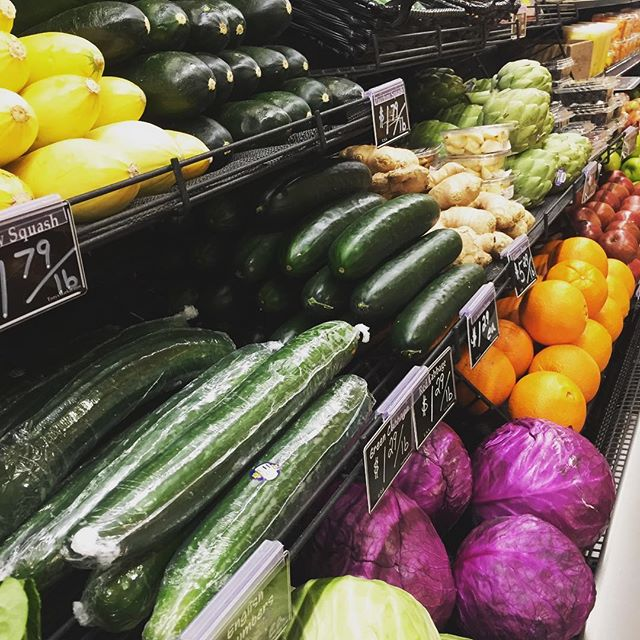 I love a well organized and thought out produce display at a grocery store! So pretty and inviting, definitely encouraging people to eat more veggies too. 😀 . 🥒🥑🍆🍇🍓🥕 . . . . . . #nutrition #science #vitamins #minerals #essentialnutrients #health #realfood #paleodiet #paleotricks #paleotips #cleaneating #nutrients #jerf #healthy #healthyliving #healthylivingtips #health #vegetables #fat #protein #carbohydrates #glutenfree #grainfree #dairyfree #healthyblogger #nutritioncoach