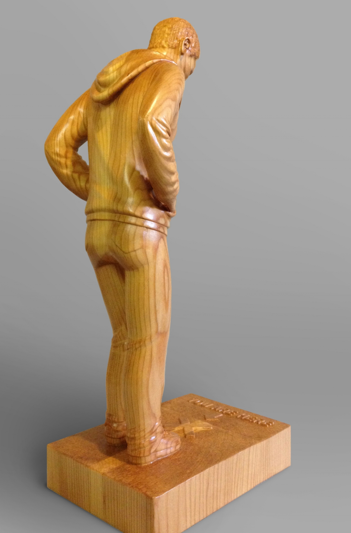3/4 view of right side of figure
