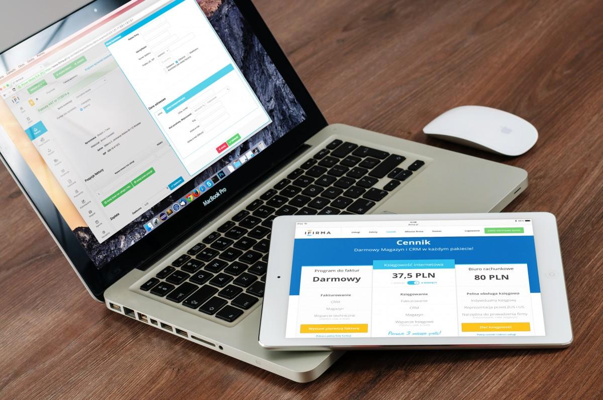 macbook_laptop_ipad_apple_computer_mobile_screen_monitor-1083812.jpg