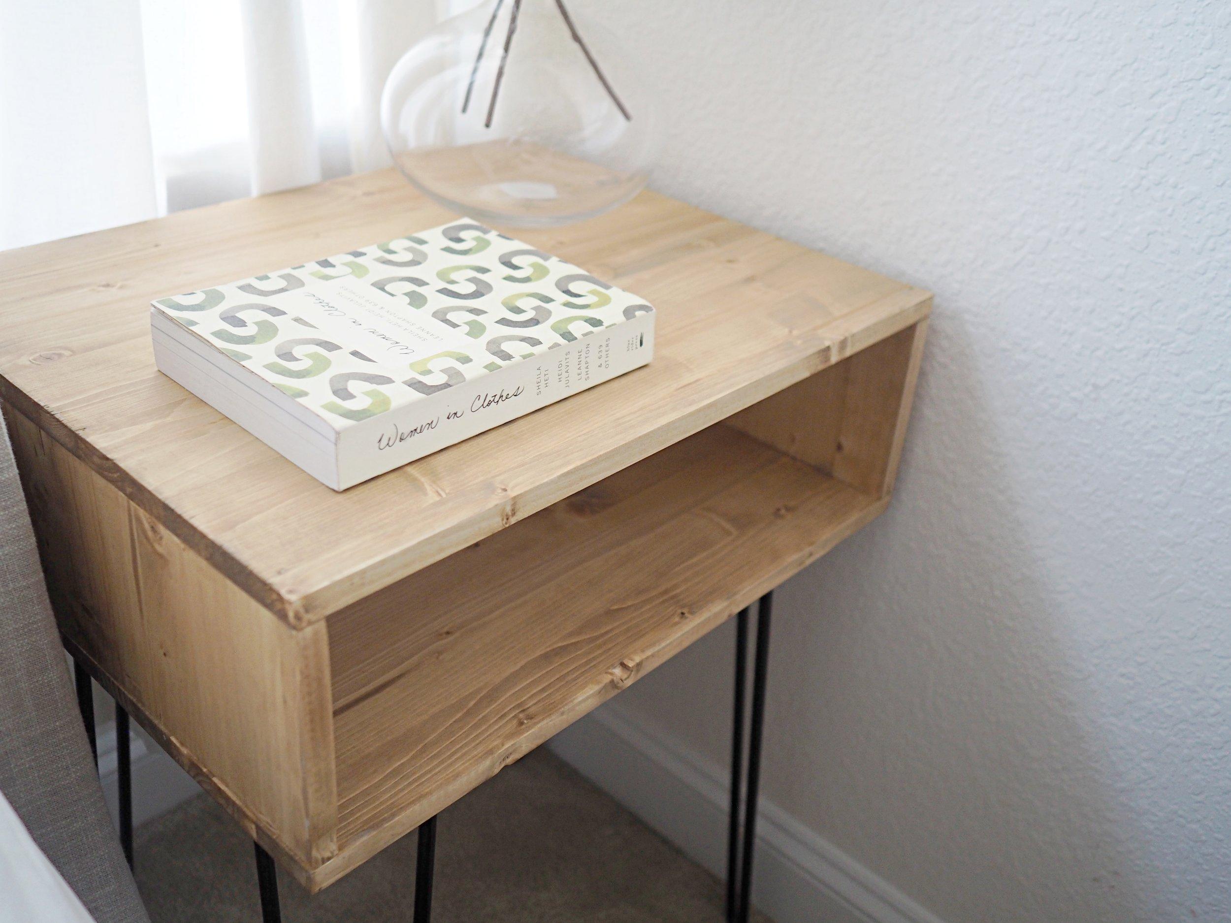 nightstand2.jpg