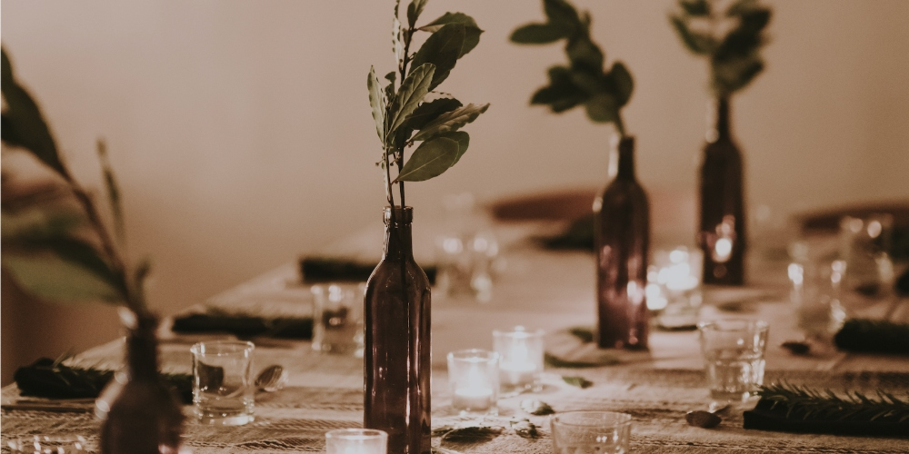 table scape for hosting a spring party.jpg